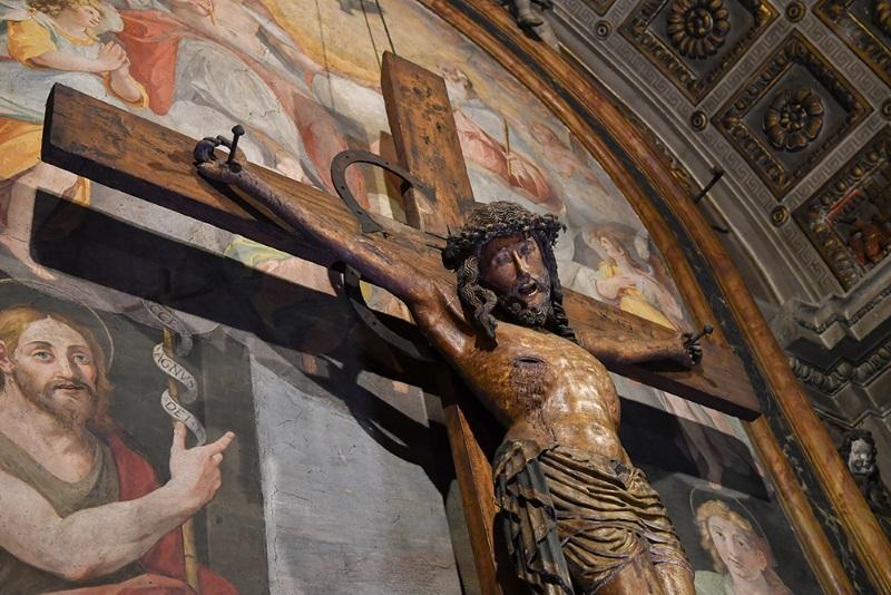 Cappella della SS. Trinità Crocifisso ligneo del Cinquecento
