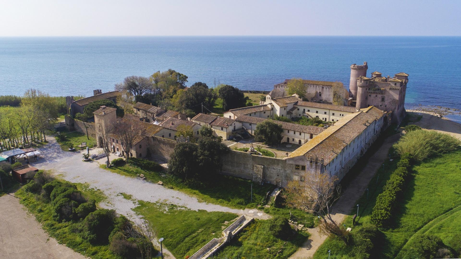 Castello di Santa Severa visto dall'alto