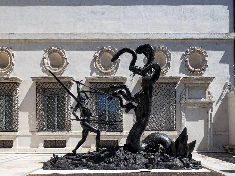 Hydra and Kali, Collezione privata, ph.A. Novelli © Galleria Borghese – Ministero della Cultura © Damien Hirst and Science Ltd. All rights reserved DACS 2021/SIAE 2021