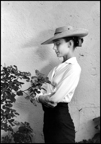 Audrey Hepburn sul set di Unforgiven, Messico 1959 © Fotohof archiv Inge Morath Foundation Magnum Photos