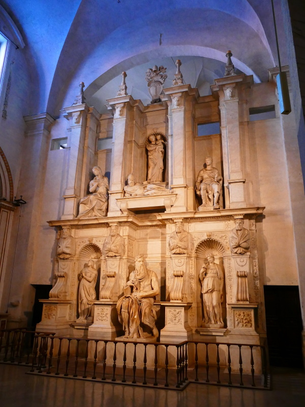 San Pietro in Vincoli - Monumento funebre di Giulio II
