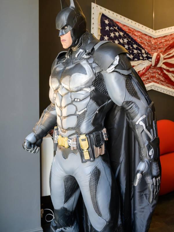 Supereroe Batman a grandezza naturale - DC COMICS