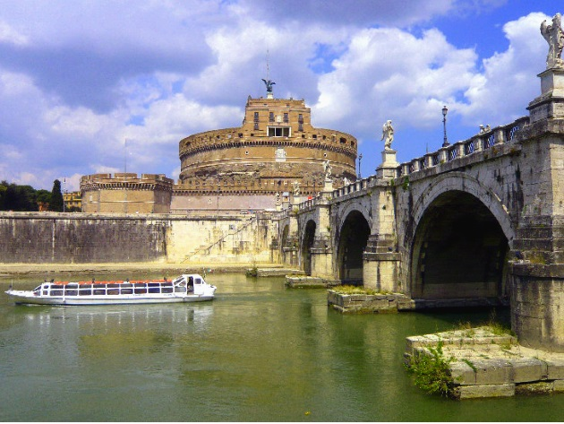 Roma in battello