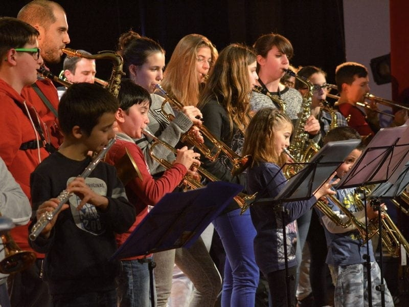 Rustica X Band