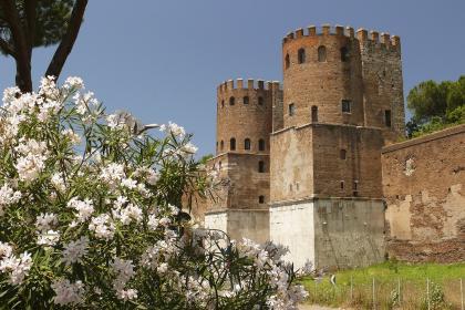 Monumenti - Porta S. Sebastiano © Tono Labra _ AGF