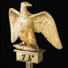 © Reunion des Musees Nationaux – Grand Palais Aquila del 7° Reggimento Ussari, bronzo dorato, 1804 (Parigi, Musée de l'Armée)