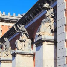 Ingresso Monumentale Verano - statue allegoriche