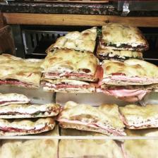 Pizza bianca farcita, foto @fornocolapicchioni