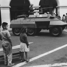 I soldati occupano le piazze, Lima, Perù 1963
