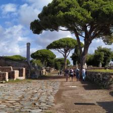 Parco Archeologico di Ostia Antica, Decumano, foto @scavidiostia