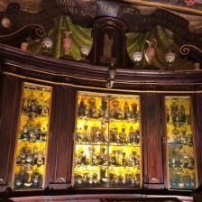 Vetrina antica Antica Spezieria Santa Maria della Scala
